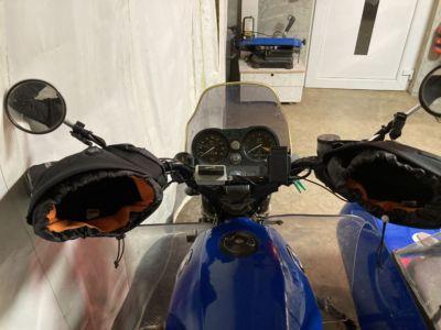 fixation magnétique pour gants thermiques de moto