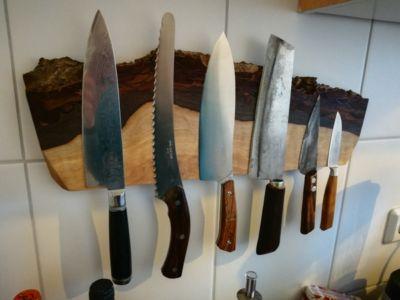Bloc pour couteaux en bois de noyer et aimants