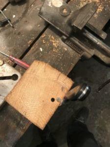 86 225x300 - Bûche de bois magnétique pour couteaux