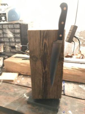 Bûche de bois magnétique pour couteaux