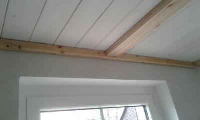 Fixation magnétique d'un profilé métallique pour plafond en bois