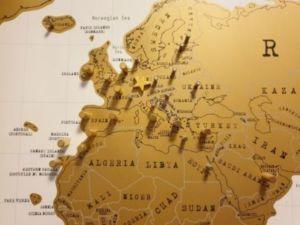 501 1 300x225 - Carte de voyage - babillard avec une carte du monde de bricolage sans l'aide de clous